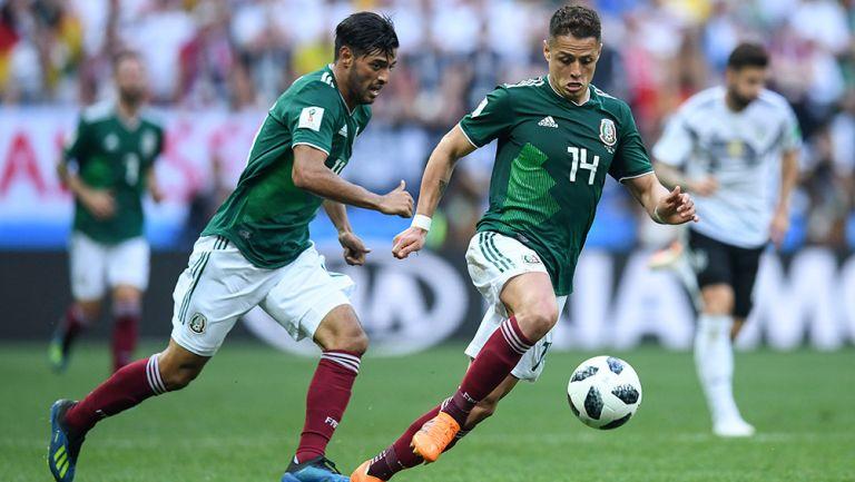 Vela y Hernández, en un partido con el Tri en el Mundial 2018