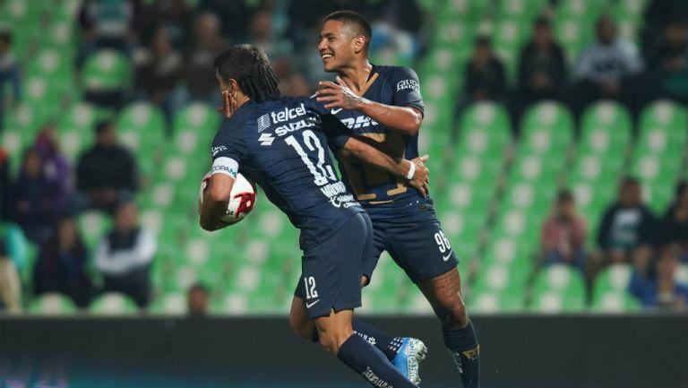 Pumas: Ignacio Malcorra y Bryan Mendoza celebran un gol