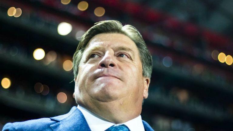 Miguel Herrera, estratega del América, en el Estadio Caliente