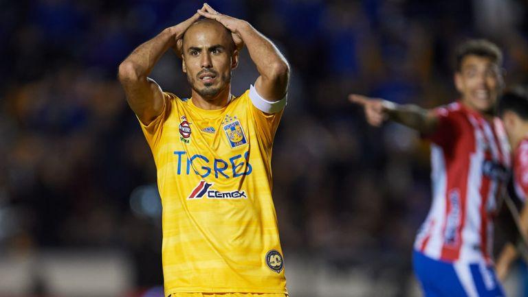 Guido Pizarro lamenta una falla en un duelo de Tigres