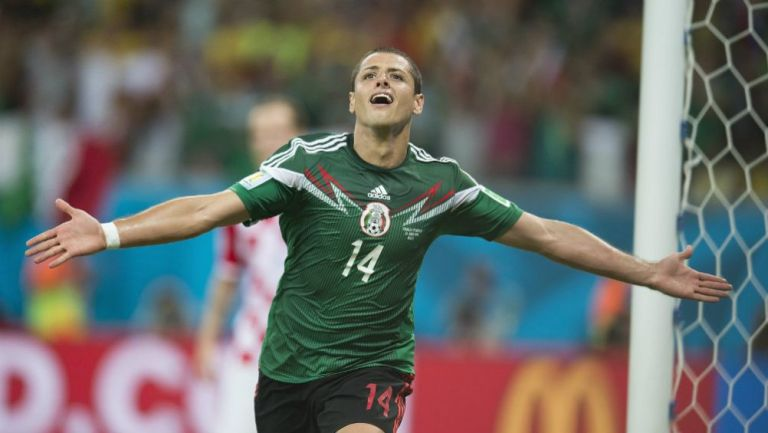 Javier Hernández festeja gol contra Croacia
