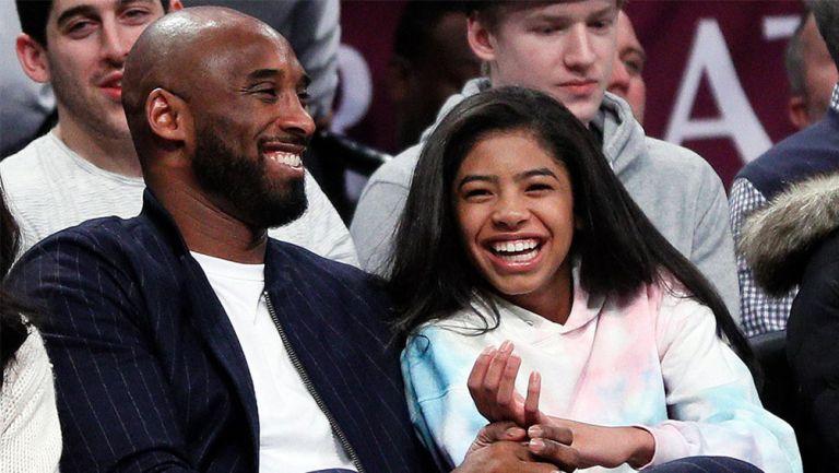 Kobe y Gigi en un juego de la NBA
