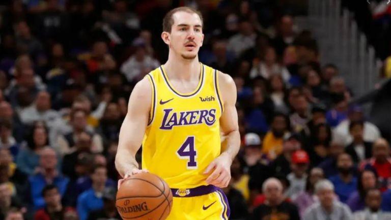 Alex Caruso durante un partido de los Lakers