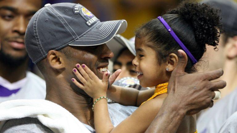 Kobe Bryant junto a su hija Gianna María