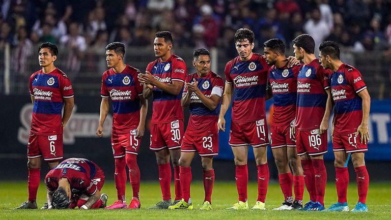 Jugadores de Chivas en los penaltis contra Dorados