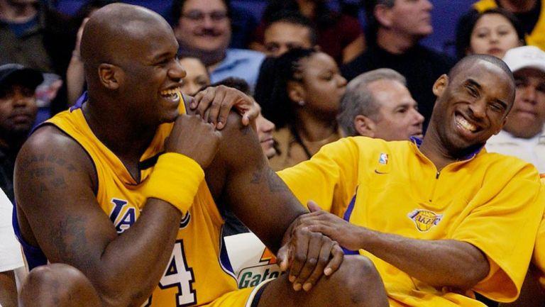 Shaquille O'Neal junto a Kobe Bryant en 2003
