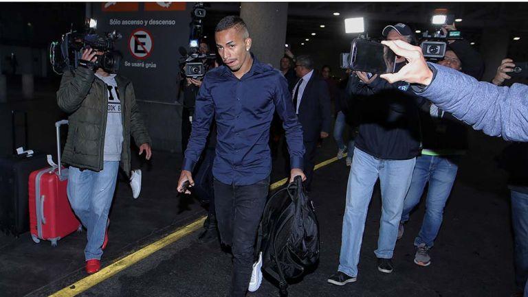 Paulinho en su llegada a México
