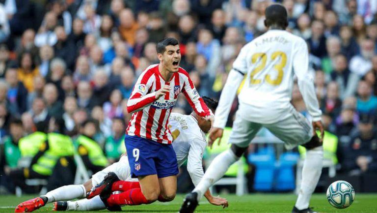 Morata recibe una falta de Casemiro