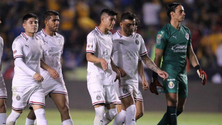 Jugadores de Chivas se lamentan tras derrota contra Tigres