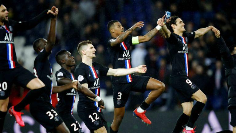 Jugadores del PSG celebran su victoria ante Montpellier