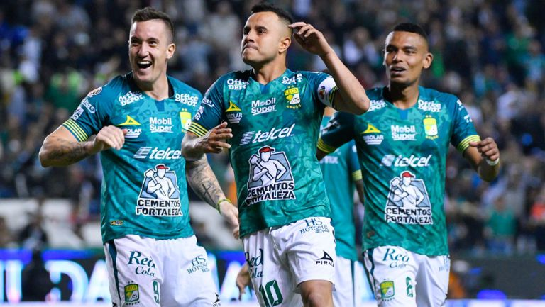 Luis Montes celebra una anotación en el Clausura 2020