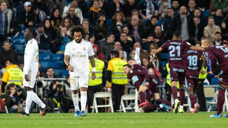 Jugadores del Real madrid se lamentan tras gol del rival