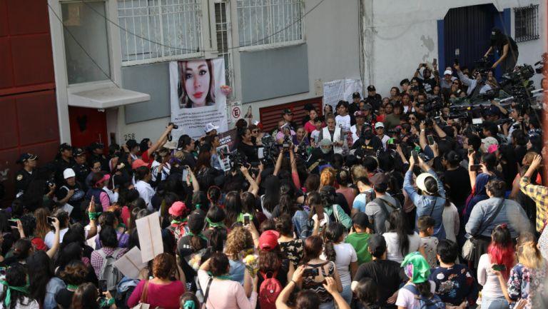 Manifestación pacífica por feminicidio de Ingrid Escamilla