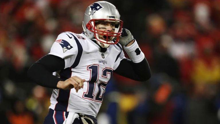 Tom Brady durante un partido de los Patriotas