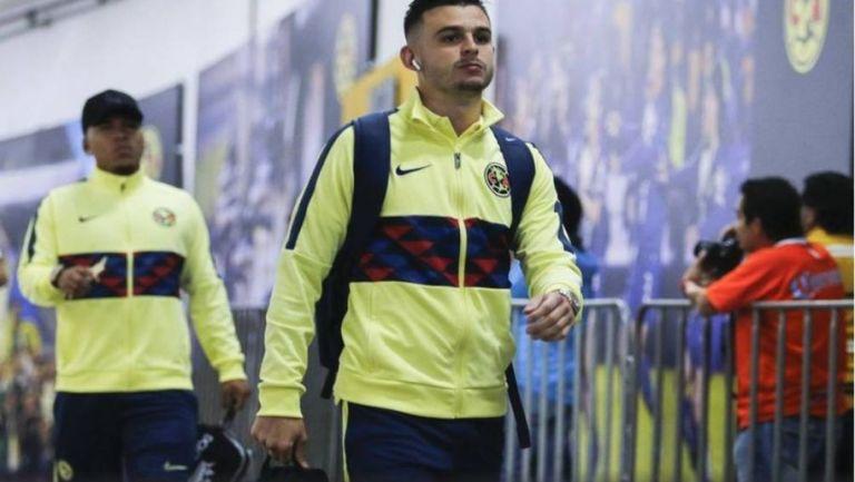 Nicolás Benedetti llegó a Guadalajara para ser operado — América