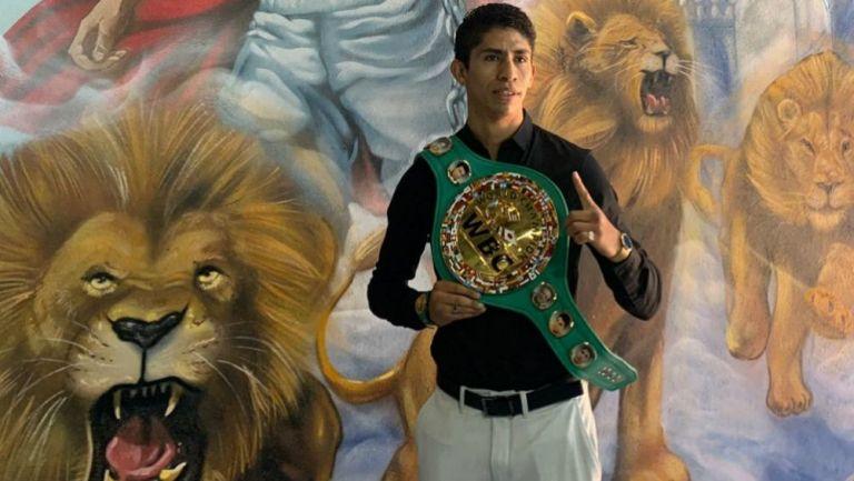 Rey Vargas, campeón Supergallo del Consejo Mundial de Boxeo