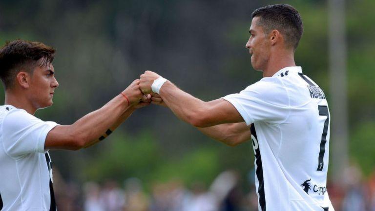 Ronaldo y Dybala en un juego de pre temporada