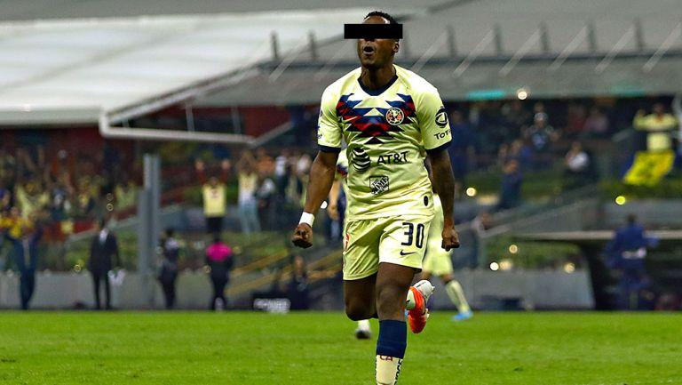 Renato N durante un partido del América