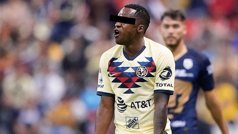 Renato 'N' durante un partido del América