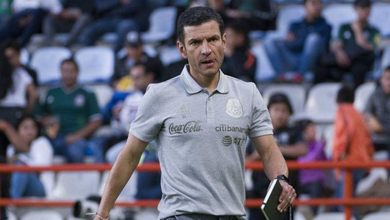 Jaime Lozano durante un partido de preparación