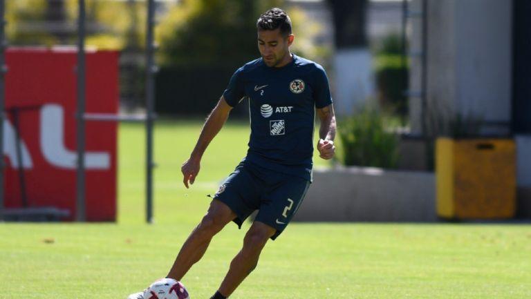 Luis Fuentes en un entrenamiento en Coapa