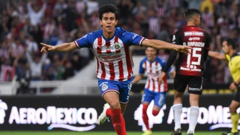 José Juan Macías celebra gol ante Atlas