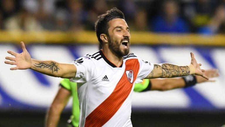 Nacho Scocco jugando con River Plate