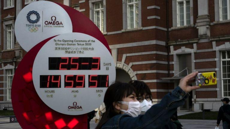 Reloj olímpico marcando la fecha y hora acual