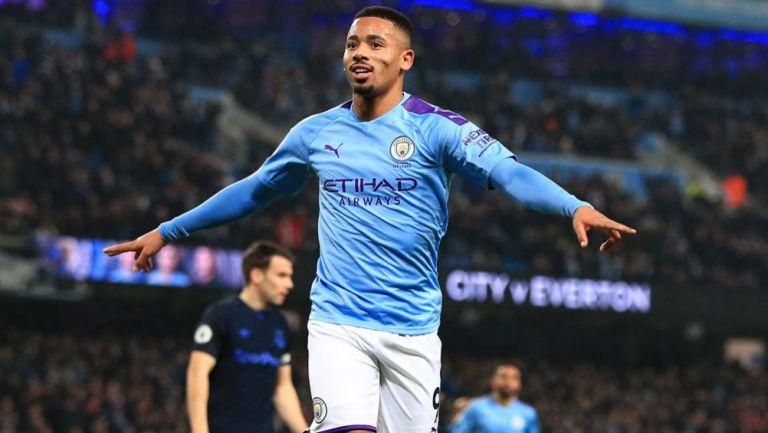 Gabriel Jesus celebra una anotación con el Manchester City