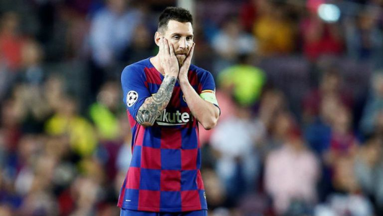Leo Messi lamenta una acción en partido del Barcelona