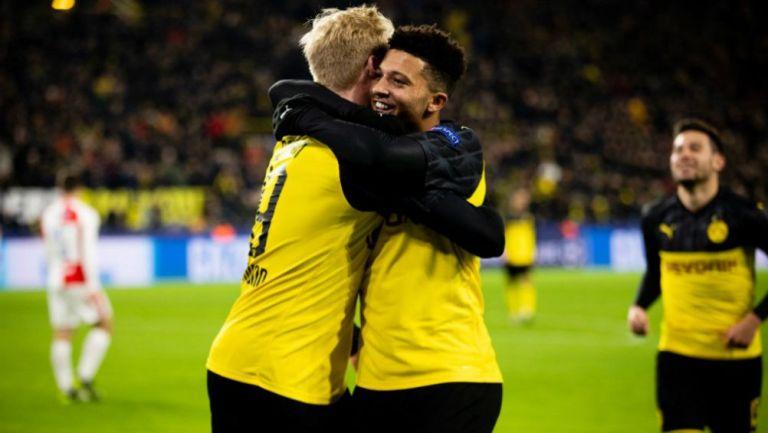 Julian Brandt y Jadon Sancho en festejo de gol