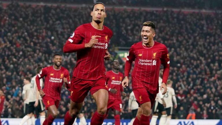 Van Dijk celebra un gol con el Liverpool