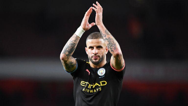 Walker jugando con el Manchester City