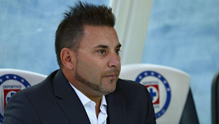 Antonio Mohamed, técnico de Rayados, en el Estadio Azul
