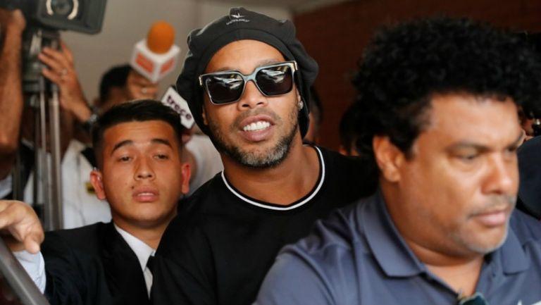 Ronaldinho saldrá de la cárcel, pero seguirá bajo vigilancia en Paraguay