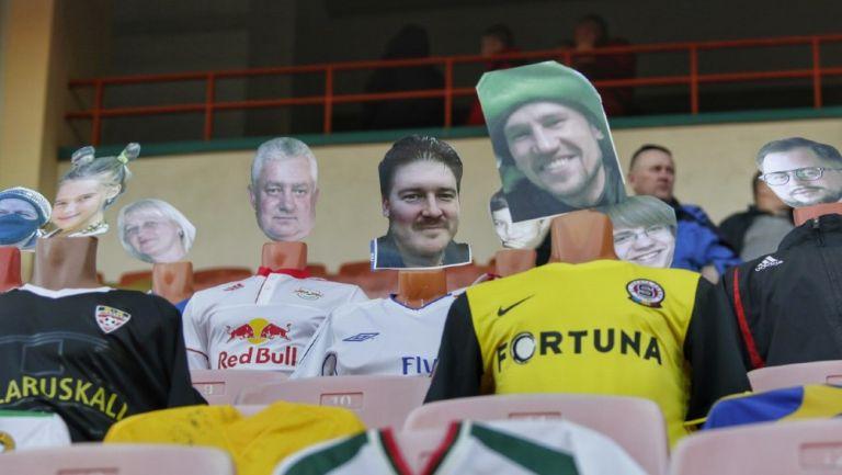 Aficionados de cartón en Bielorrusia