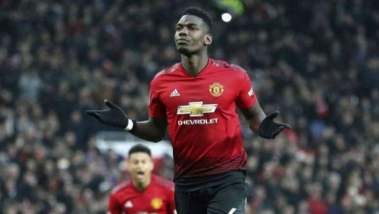 Paul Pogba en acción con Manchester United