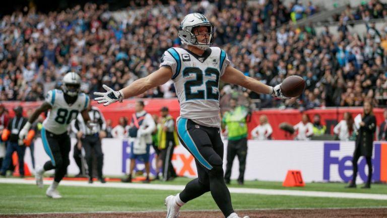 Christian McCaffrey celebra una anotación con Panthers