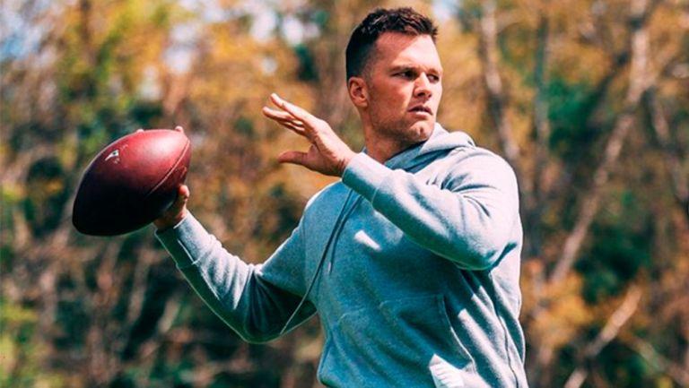 Tom Brady, sorprendido haciendo ejercicio en un parque cerrado en Tampa