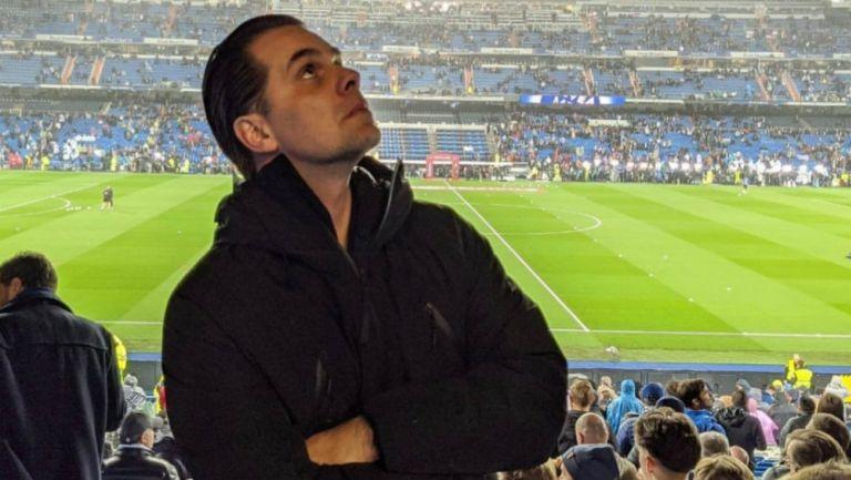 Christian Martinoli en un estadio de futbol