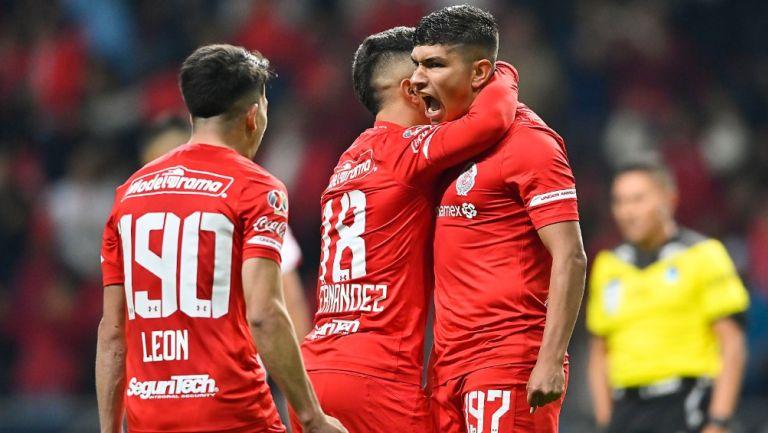 Jugadores del Toluca celebrando un gol