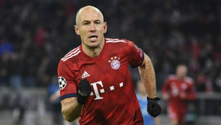 Arjen Robben en partido con el Bayern