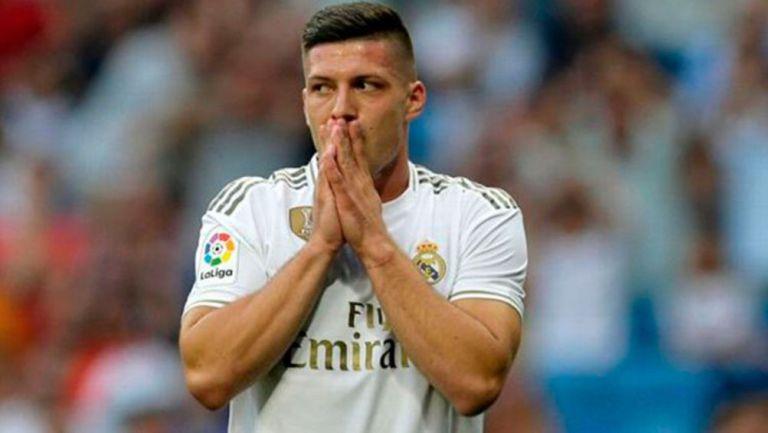 Luka Jovic sufre grave lesión en plena cuarentena y se perderá varias semanas con Real Madrid