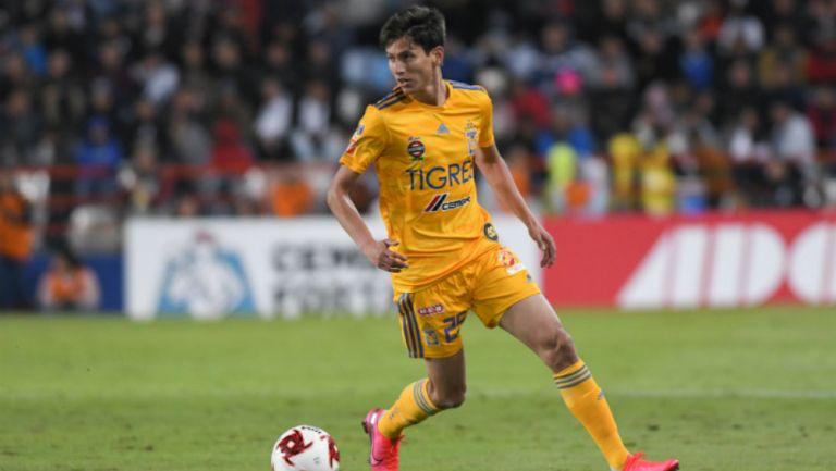 Jürgen Damm en partido con Tigres