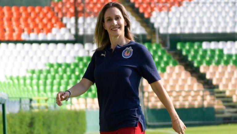 Nelly Simón, directora deportiva de Chivas Femenil