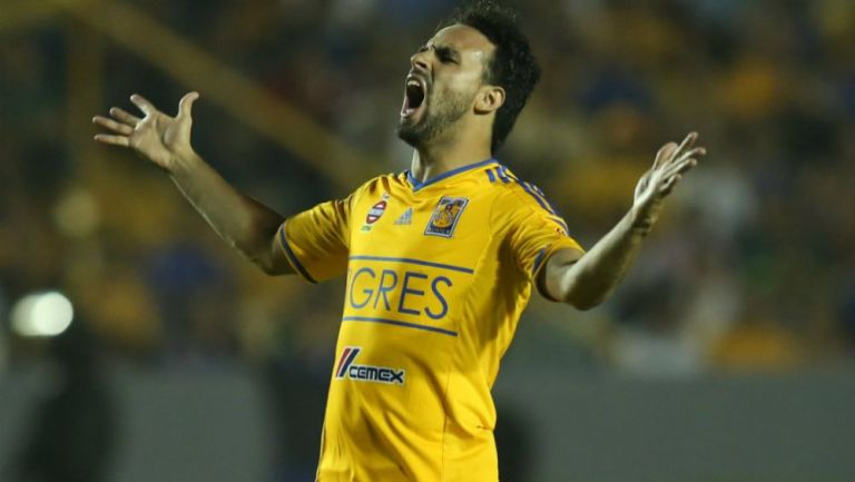 Enrique Esqueda como jugador de Tigres