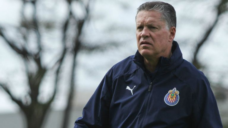 Peláez en entrenamiento con Chivas