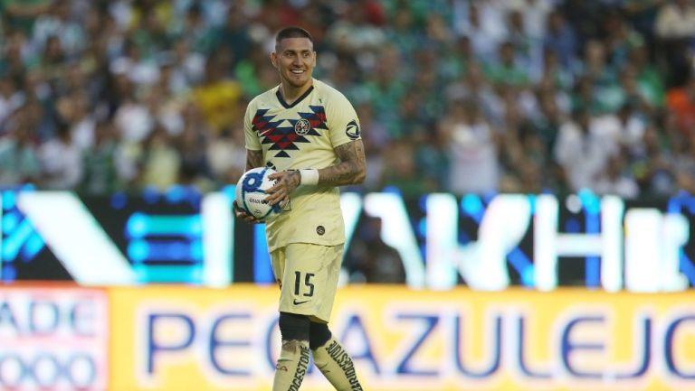 Nico Castillo durante un partido con América