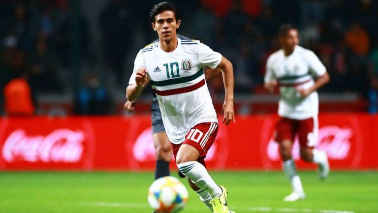 José Juan Macías en acción con la Selección Mexicana