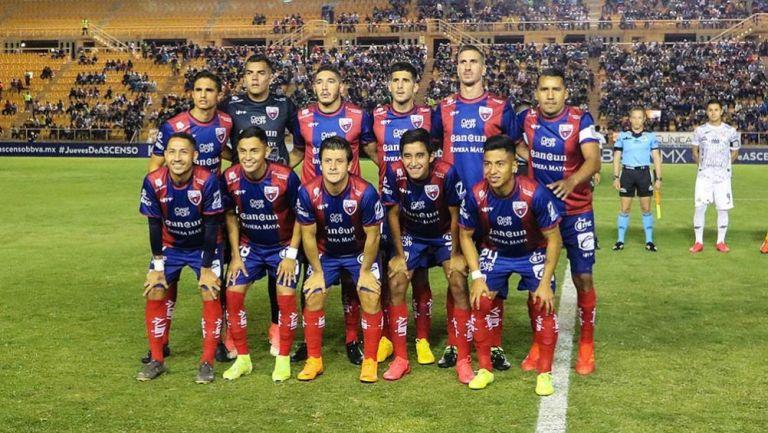 Jugadores de Atlante antes de un partido en el Ascenso MX